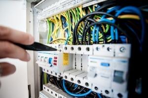 electric-1080584_1280-1